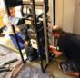 Handwerker bauen die Kompaktheizentrale auf