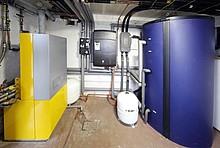 Heizanlage mit Solarthermie im Keller