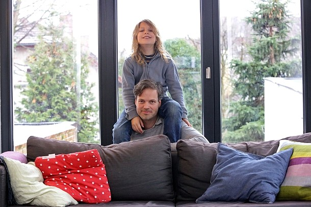 Familienfoto: Jochen Hein mit seiem Sohn Mika