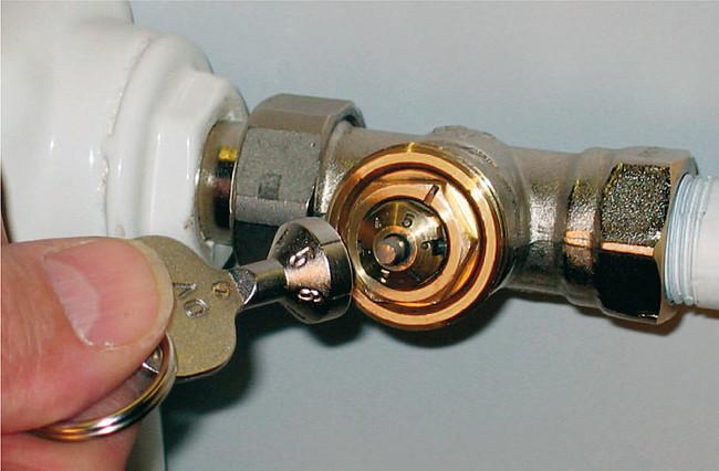 Thermostatventile mit Voreinstellung an Zahlen erkennen